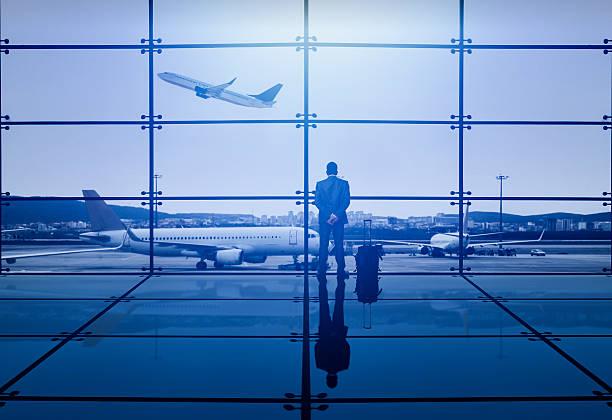 soñar con aeropuerto y maletas