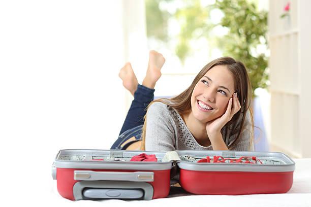 soñar con bolsos y maletas