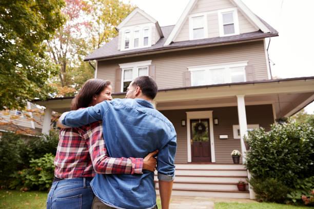 soñar con comprar casa grande
