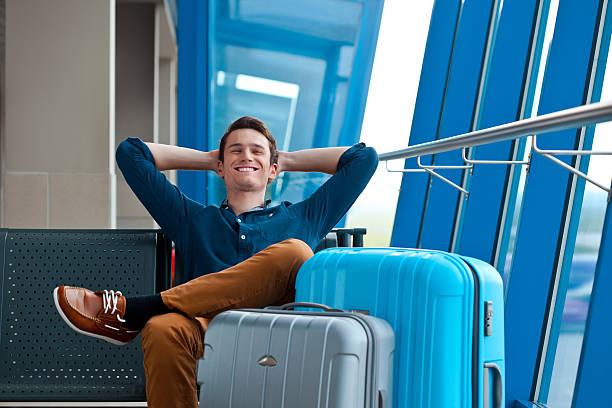 soñar con maletas llenas de ropa
