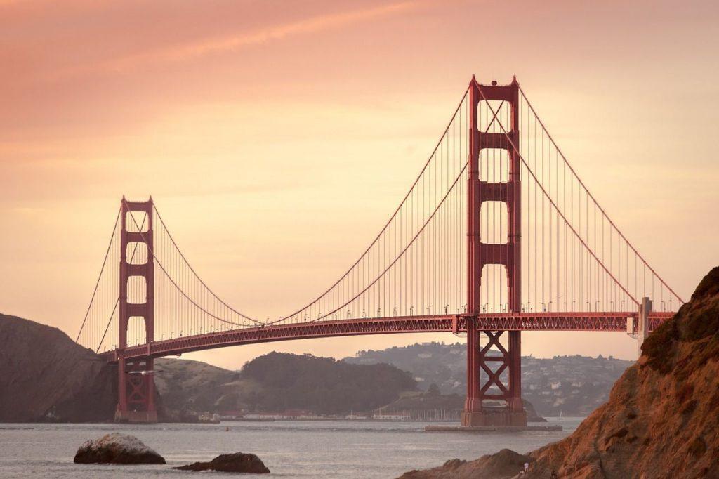 soñar con puente colgante