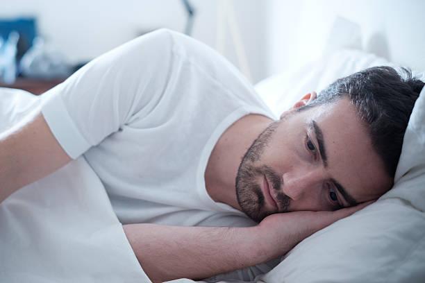 soñar con vomito blanco