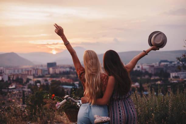 soñar con amigos de juventud