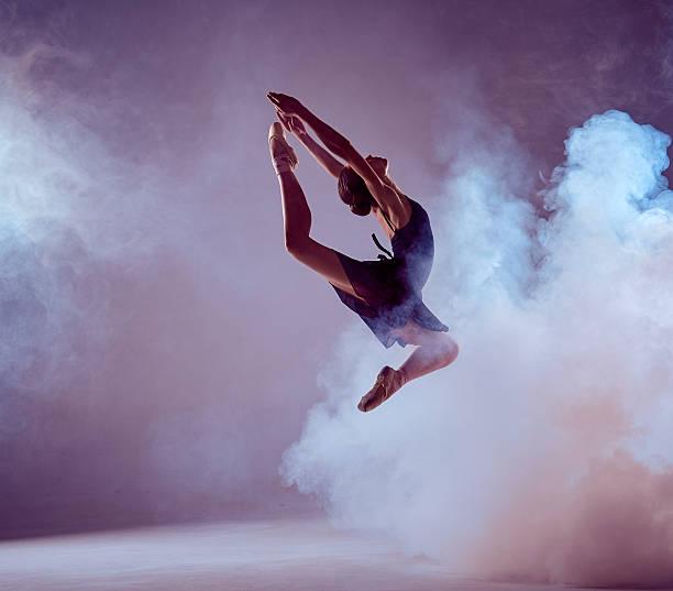 soñar con bailarines