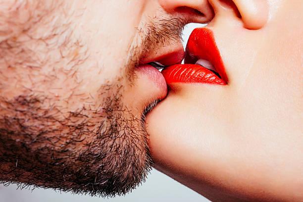 soñar con beso en la mejilla