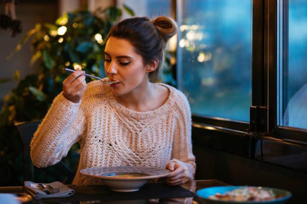 soñar con comer sano