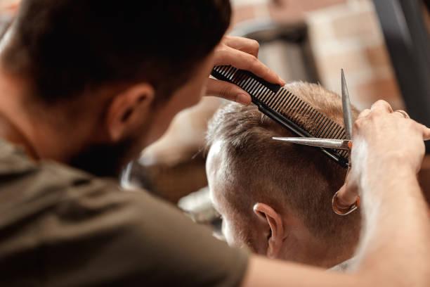 soñar con cortarse el pelo uno mismo