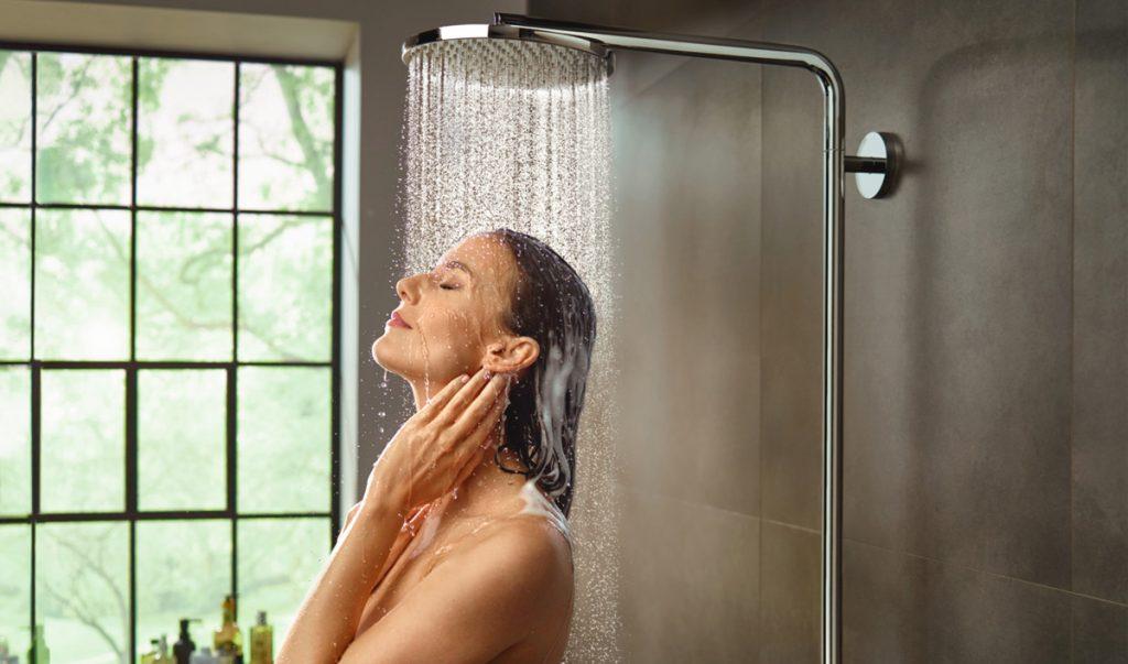 soñar con ducharse en publico