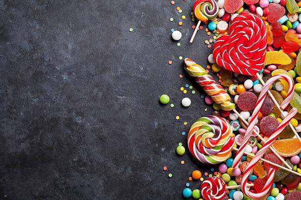 soñar con dulces de colores