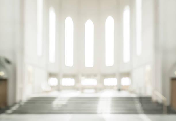 soñar con iglesia destruida