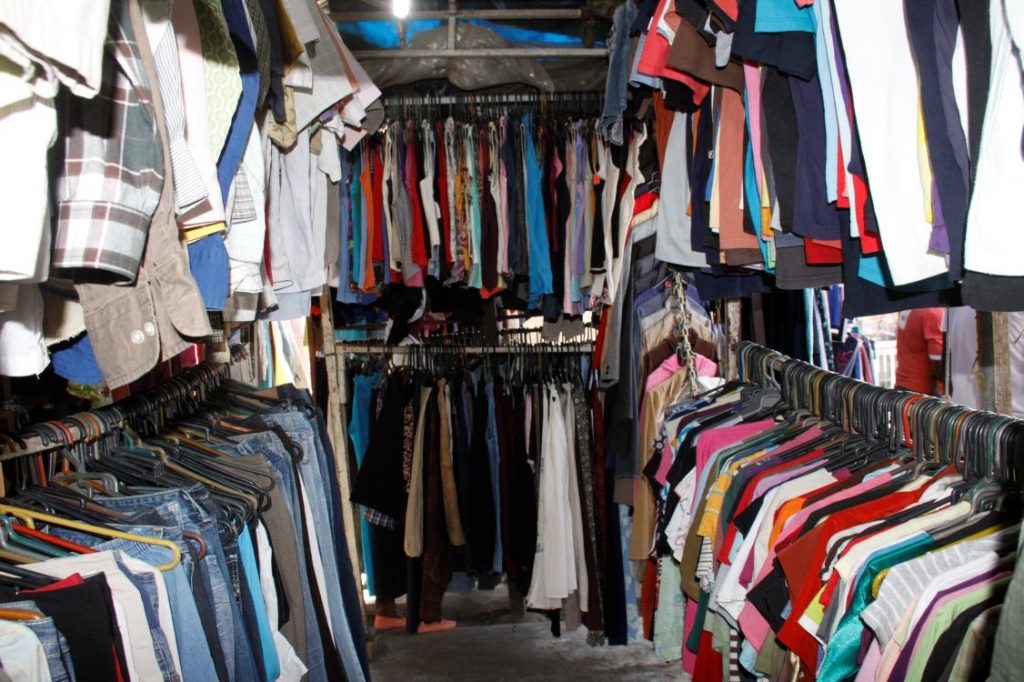 soñar con lavar ropa interior sucia