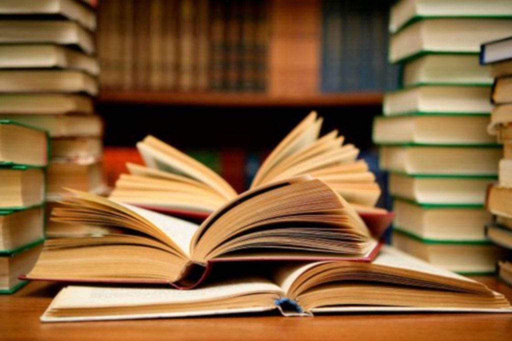 soñar con libros grandes