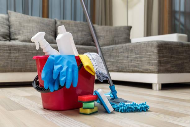 soñar con limpiar casa