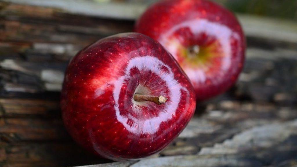 soñar con manzanas rojas