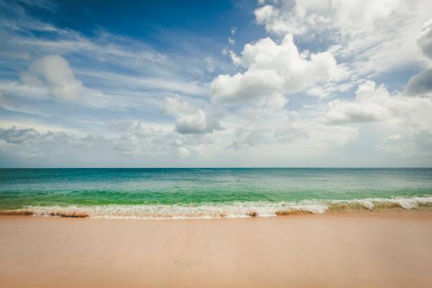 soñar con olas gigantes de mar
