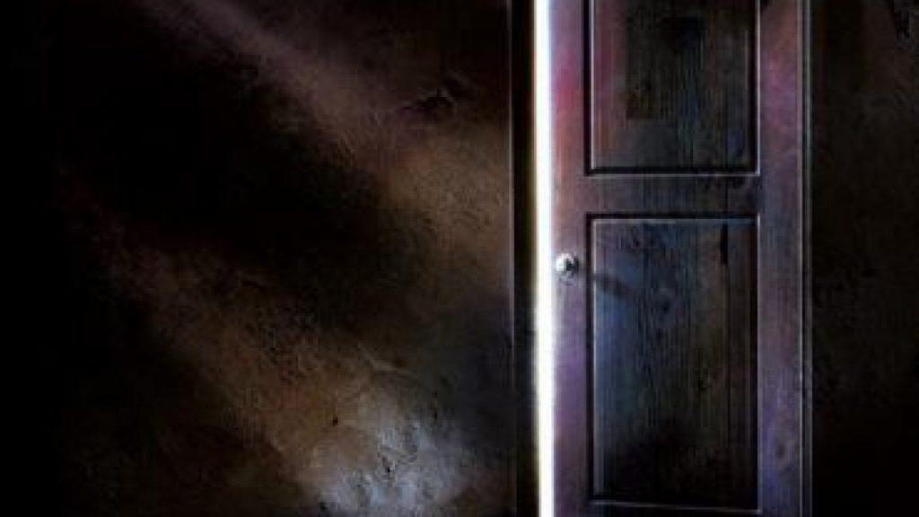 soñar con puertas rotas
