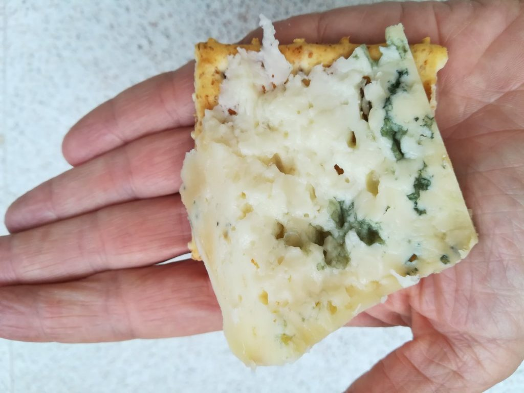 soñar con queso rallado