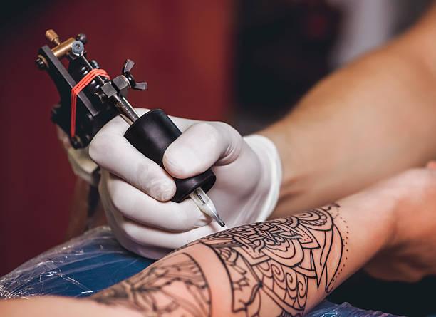 soñar con tatuajes en la espalda