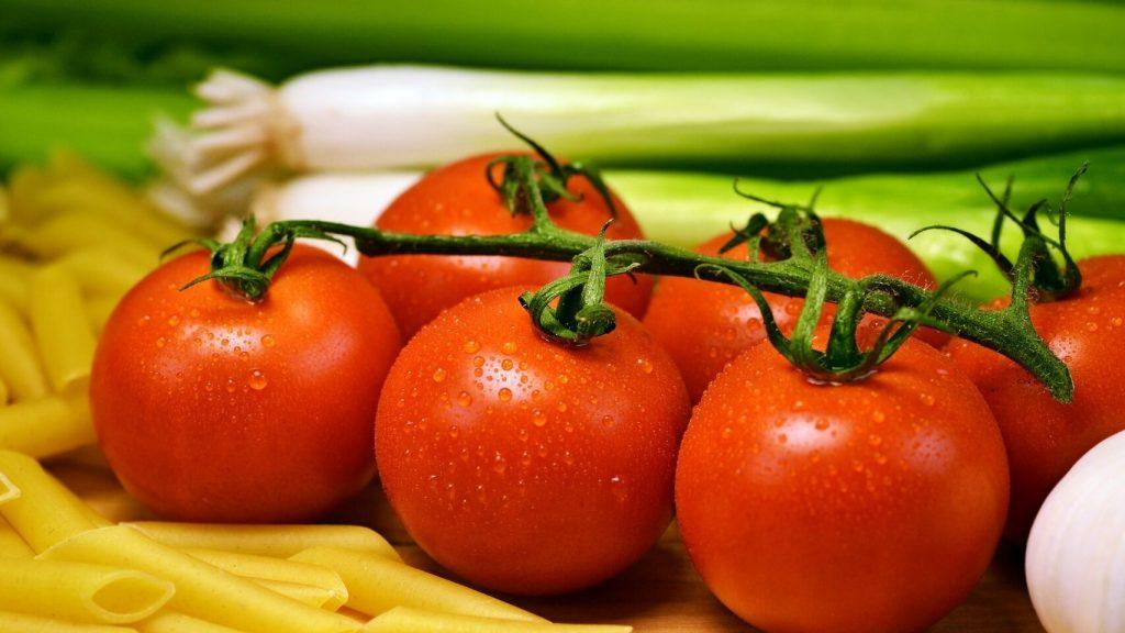 soñar con tomates verdes