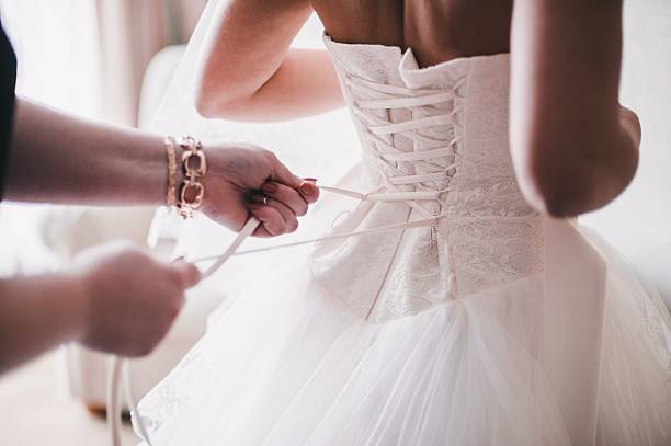 soñar con vestido de novia anaranjado
