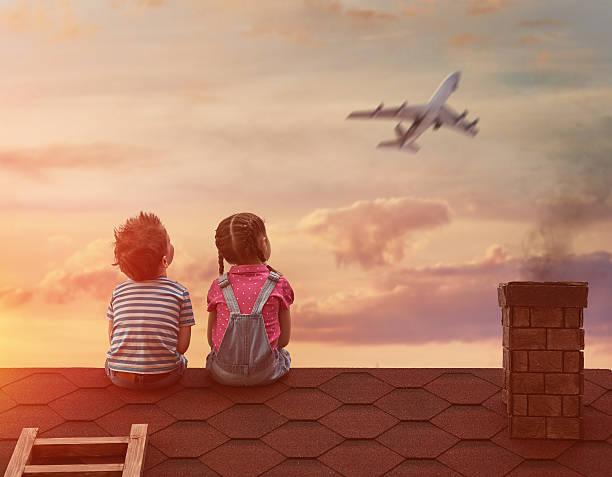 soñar con avion volando bajo