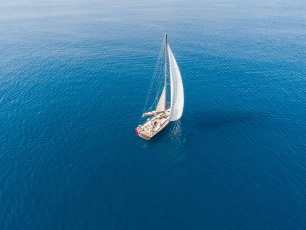 soñar con barco hundiendose