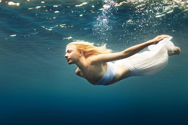 soñar con el mar azul y peces