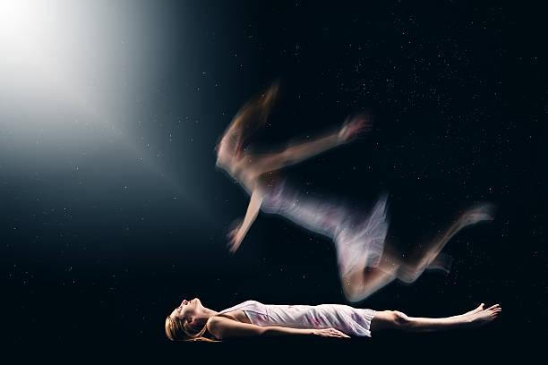 soñar con espiritus que te persiguen