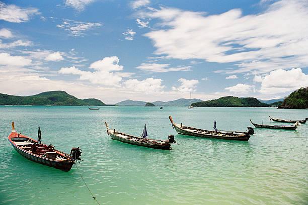 soñar con tsunami agua verde