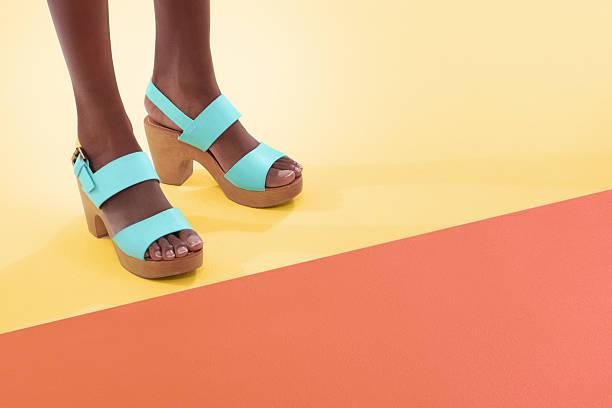 soñar con zapatos impares
